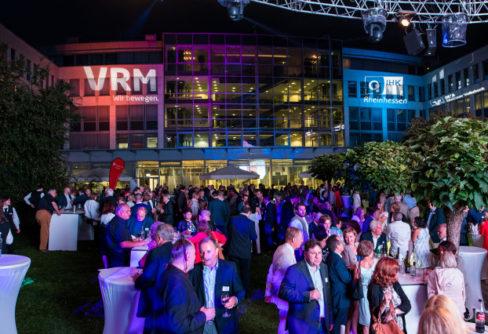 Regen bringt Segen: Sommerabend der Wirtschaft in Mainz