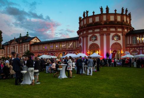 750 Gäste beim Sommerabend der Wirtschaft in Wiesbaden